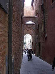 Siena alley 3.jpg