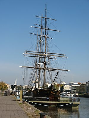 Forum Marinum - Sigyn in the Aura River in Turku (2008)