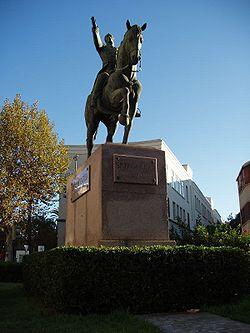 Estatua de Simón Bolivar en Cádiz, España.