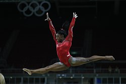 Simone Biles Rio 2016b.jpg