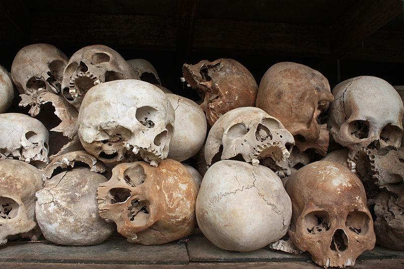 khemer-rouge-skulls