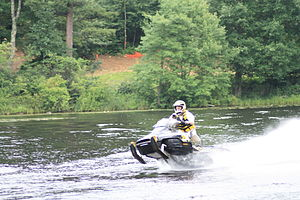 Snowmobile skipping - Position of the snowmobile while skipping