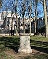 Socle statue, jardin du Ranelagh, Paris 16e.jpg