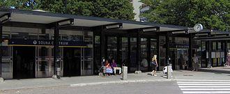 Solna centrum metro station - Image: Solna centrums tunnelbanestation, ingång