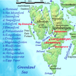 Spitsbergen settlements mountains and marine features labelled.png