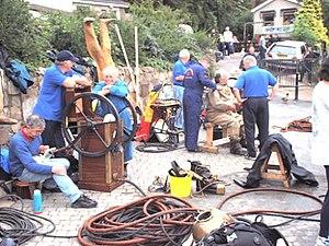 Diver's pump - Image: Standard diving dress 2
