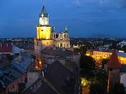 Stare Miasto w Lublinie - wieża trynitarska, archikatedra i baszta gotycka.jpg