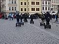 Staroměstské náměstí, turisté na segwayích.jpg