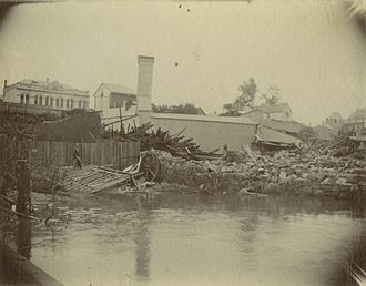 William Pettigrew - Pettigrew's Sawmill inundated with floodwater, Brisbane, 1893