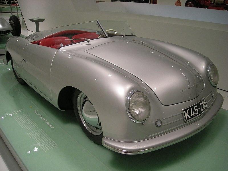 800px-Stuttgart_Jul_2012_62_%28Porsche_Museum_-_1948_Porsche_356_Nr._1_Roadster%29.JPG