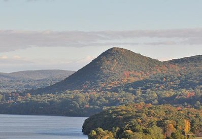 Sugarloaf Hill Hudson Highlands from Bear Mountain Bridge