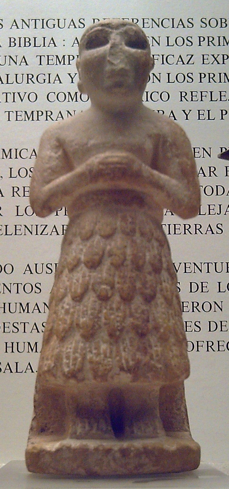 Sumerio orante (M.A.N. Madrid Inv.2001-110-1) 01