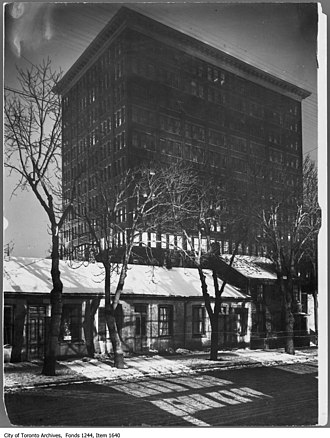Eaton's Annex - T. Eaton Co. factory, seen from the Ward on Bay Street (c.1910s Terauley Stret)