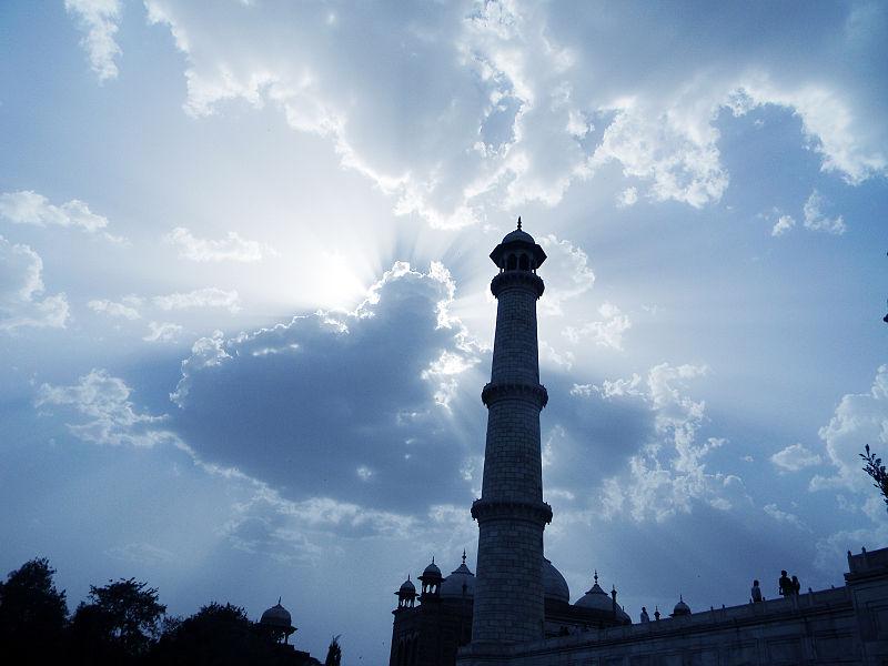 File:Taj Mahal 8.jpg