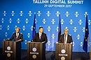 Tallinn Digital Summit. Press conference Donald Tusk, Jüri Ratas and Jean-Claude Juncker (36722574543).jpg
