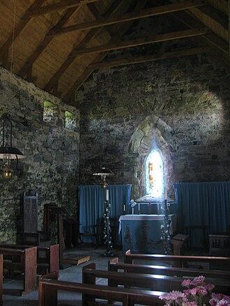 Teampall Mholuaidh - The church's interior