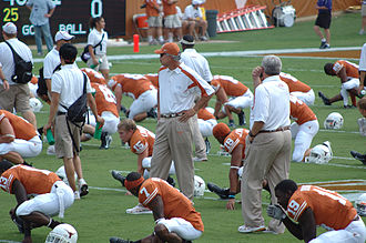 2007 Texas Longhorns football team - Duane Akina (center), Texas defensive coordinator