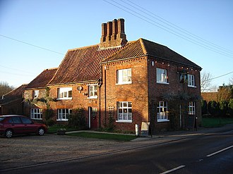 Swanton Morley - The Angel public house, originally home of Richard Lincoln, grandfather of Samuel Lincoln, American immigrant and ancestor of Abraham Lincoln