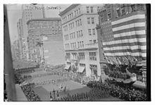 7. pluk, New York National Guard, později 107. pěší pluk, pochodoval do války 11. září 1917.jpg