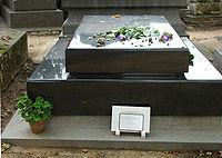 Tombe de Susan Sontag au Cimetière du Montparnasse.jpg