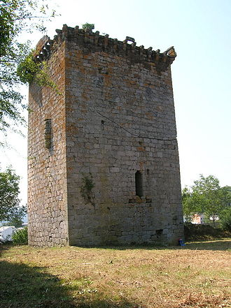 Rodrigo Martínez - The Torre del Homenaje, all that remains of the castle at Castroverde, controlled by Rodrigo in 1117, his first tenencia.