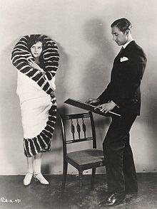 Торрент (1926 фильм) еще 2.jpg