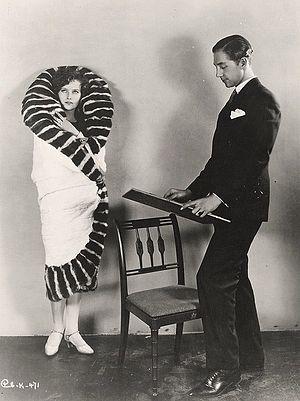 Max Rée - Image: Torrent (1926 film) still 2