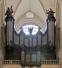 Toulouse, Basilique Saint-Sernin, orgue (Cropped).jpg