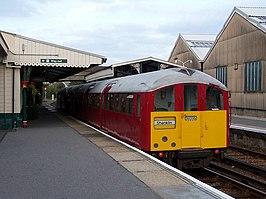 Train at Ryde St Johns Road Station - geograph.org.uk - 1542141.jpg