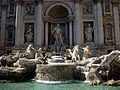 Trevi Fountain from in front (4892398954).jpg