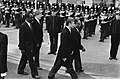 Troonswisseling 30 april , ministers, staatssecretarissen en Kamerleden naar de , Bestanddeelnr 930-8022.jpg