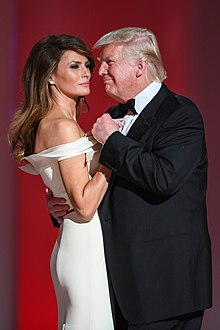 Melania con il marito Donald Trump durante il Liberty Ball del 2017