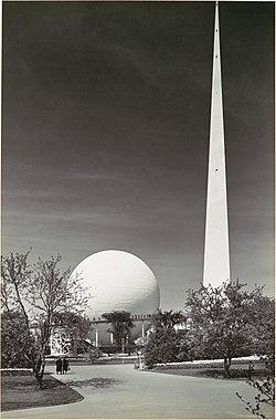 Trylon and Perisphere, New York World's Fair MET DP103125.jpg