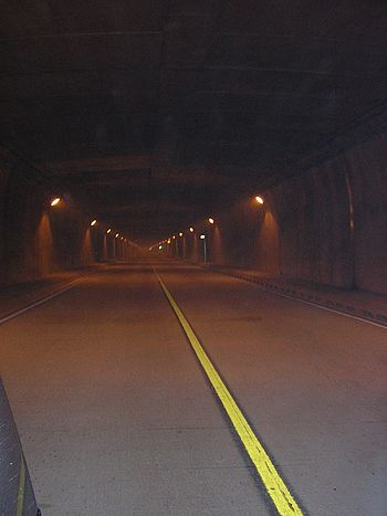 Tunel de Occidente-Medellin.JPG