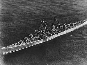 USS Tucson (CL-98) underway, circa the later 1940s (NH 98518).jpg