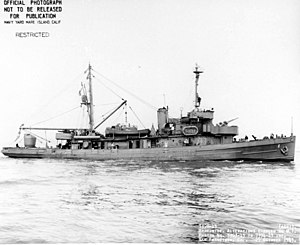 USS Widgeon (AM-22) - Widgeon off San Francisco, California on 29 October 1943.