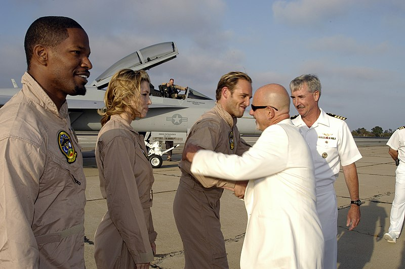 File:US Navy 050717-N-7281D-025 Director Rob Cohen and Commanding Officer, Naval Air Station North Island, Capt. T. G. Alexander, greet the cast of the major motion picture movie Stealth.jpg