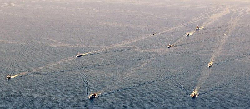 Arquivo: Marinha dos EUA 110616-N-NW827-227 MAR NEGRO (16 de Junho, 2011) Navios de nações participantes estão em formação durante o exercício Sea Breeze 2011.jpg