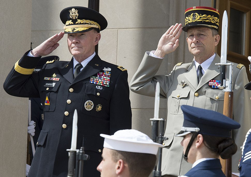 United States General Martin Dempsey and French General Pierre de Villiers saluting (23 April 2014, cropped)