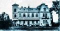 Villa der Ritter von Zotta in Novosielitza um 1900.png