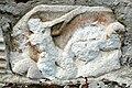 Villach Gratschach Filialkirche hll Philippus und Jakobus Tritonrelief Pilasterfragment 23072006 01.jpg