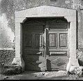 Vrata s kolono pri Jernejevih, Lozice 1958 (2).jpg