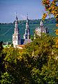 Würzburg, Doppeltürme und Vierungskuppel der Stiftskirche Haug-1 (11419003933).jpg