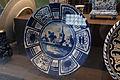WLANL - thedogg - Vitrine Majolica en Delfts aardewerk (1).jpg