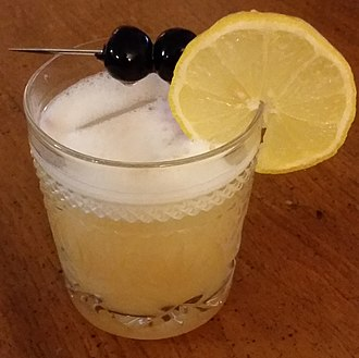 Sour (cocktail) - Image: Whiskey sour