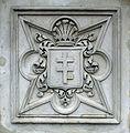 Wilanow herb Pilawa na mauzoleum.jpg