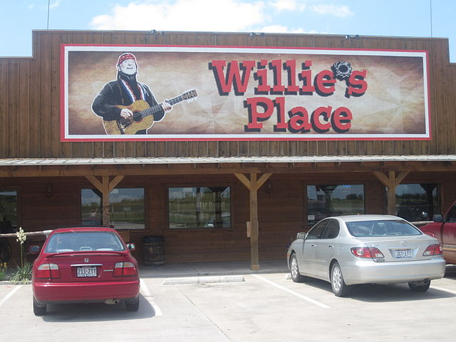 Willie's Place near Hillsboro, TX IMG 4050.JPG
