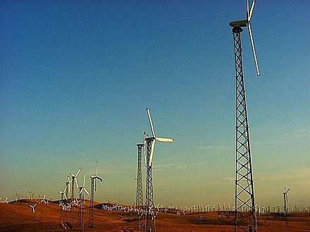 Older wind turbines - Altamont Pass Wind Farm
