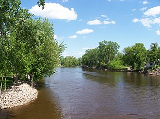 Wolf River (Fox River tributary) - The Wolf River in downtown New London