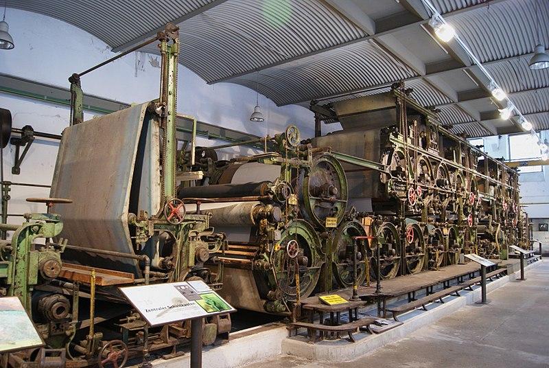 File:Zanders-Papiermaschine 4 Bergisch Gladbach Dombach 2.JPG